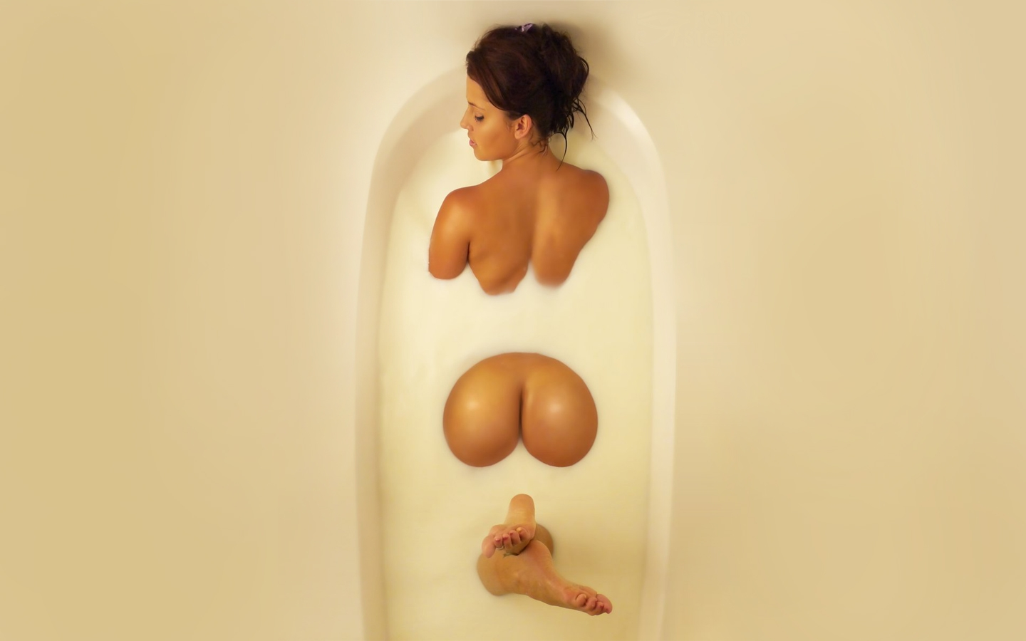 milk-bath-ass-8899-wallpapers