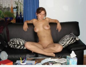 moglie esibizionista casalinga 13