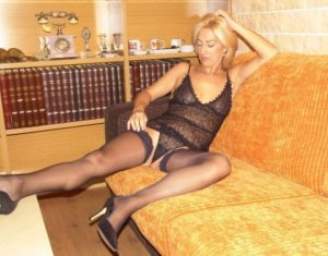 bionda-amatoriale-italiana 1