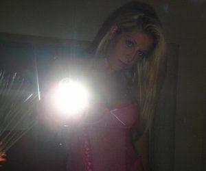 biondina-selfie-hot1