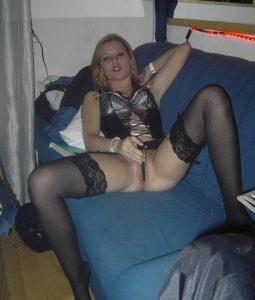 fidanzata-amatoriale-fichetta-depilata 8