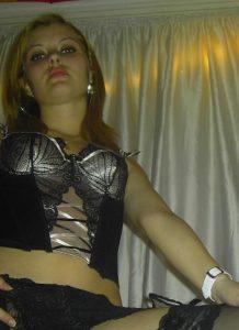 fidanzata-amatoriale-fichetta-depilatacov