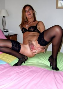 moglie-amatoriale-hot 1