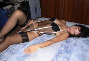 milf-figa-pelosa-lingerie 12
